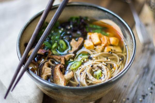 Місо-суп із рисовою вермішеллю