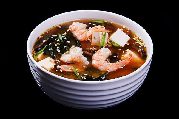 Місо-суп з лососем і креветками