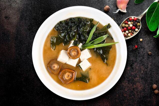 Місо-суп із грибами й водоростями