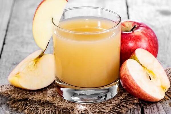 Яблучний сік із цукром
