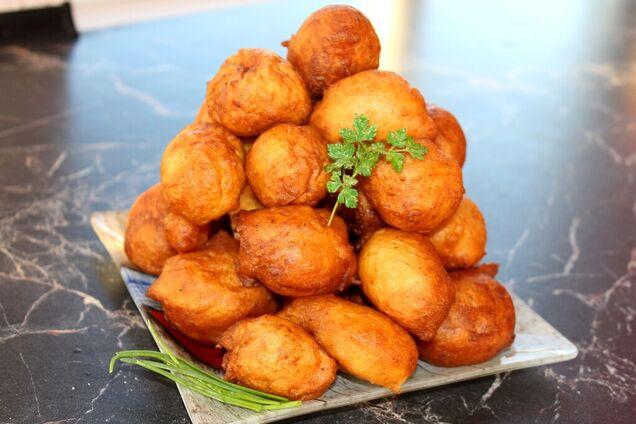 Картофельные пончики с мукой