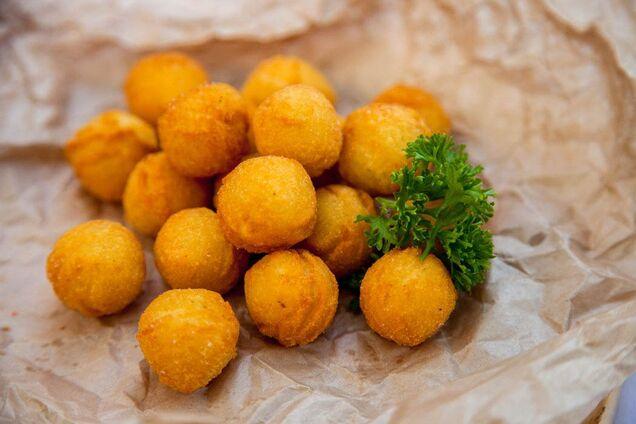 Прості картопляні пончики