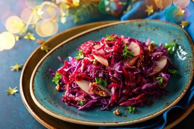 Салат из свеклы с овощами и уксусом