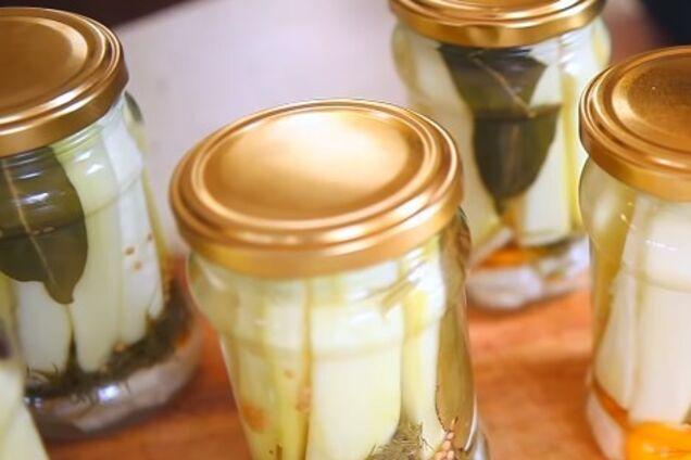 Мариновані кабачки з ріпчастою цибулею