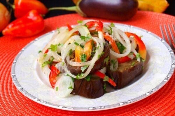 Квашені баклажани з помідорами