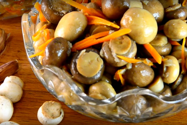 Грибы с морковью за 5 минут