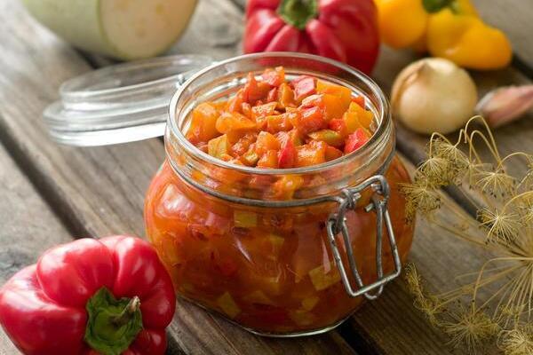 Салат із кабачків з овочами