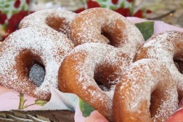 Дріжджові пончики на молоці