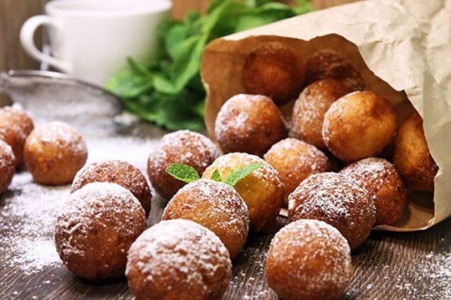 Сладкие творожные пончики