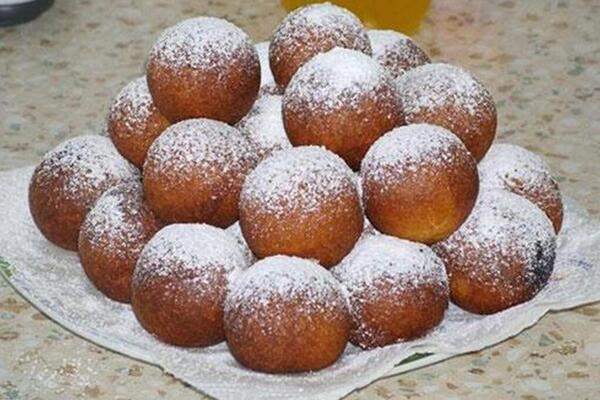 Творожные пончики с содой