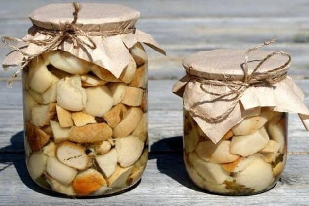 Маринованные грибы с гвоздикой