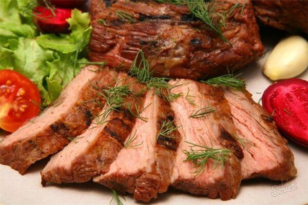 Карбонад зі свинини в рукаві