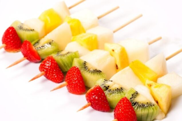 Канапе з фруктів