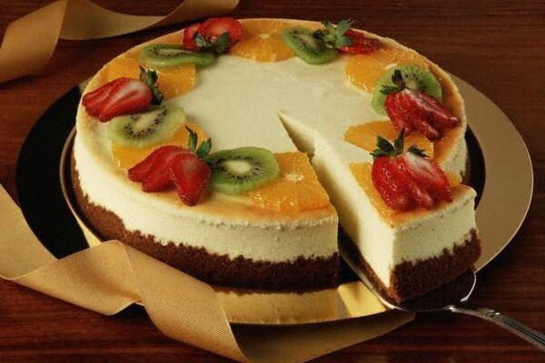 Торт-суфле з фруктами