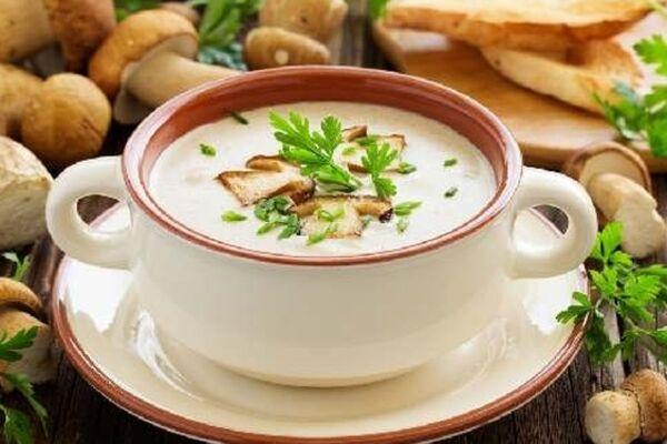 Сирний суп з грибами