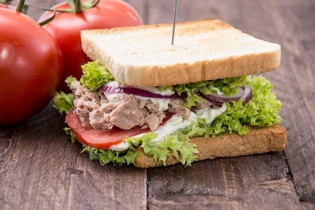 Сендвіч з тунцем