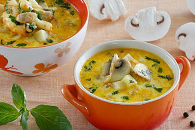 Сирний суп з шампіньонами