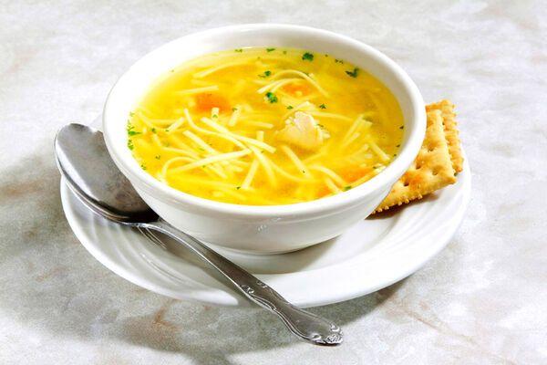 Курячий суп з лапшою