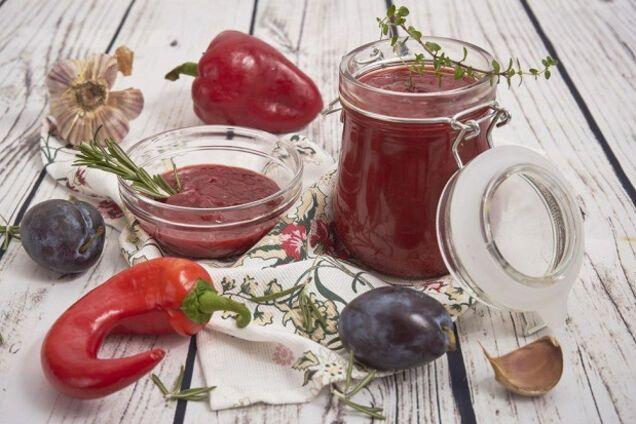 Аджика зі слив і помідорів