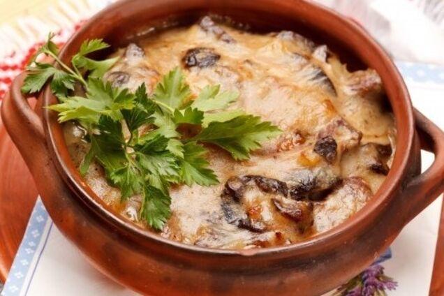 Картопля з грибами в горщиках