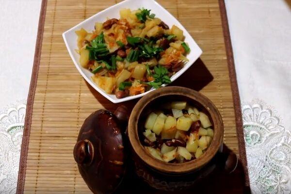 Картопля в горщиках без м'яса