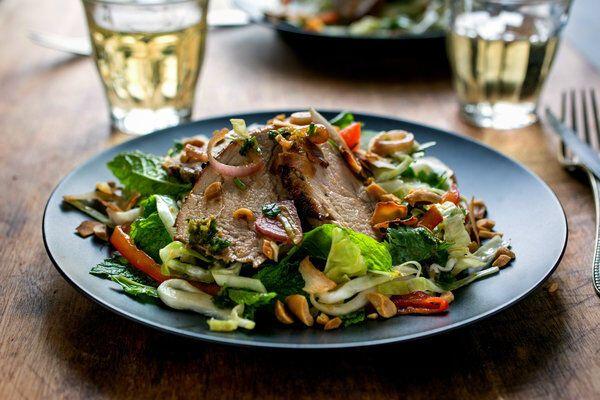 Салат зі свинячим язиком