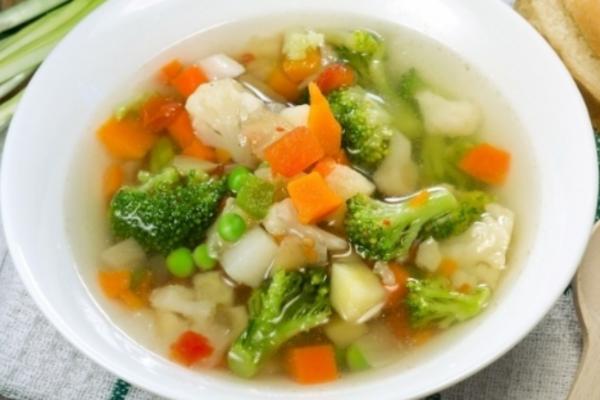 Овочевий суп з броколі