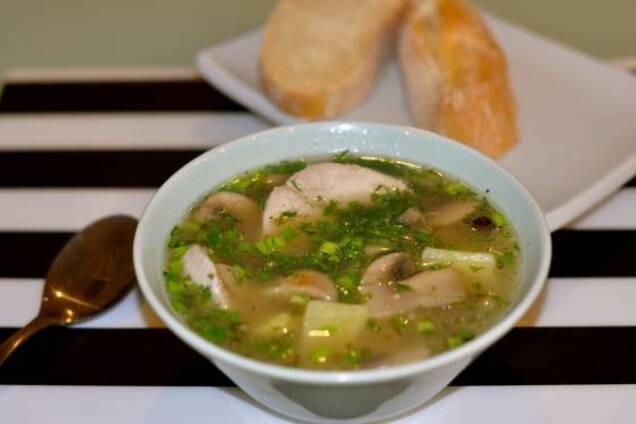 Грибний суп з куркою