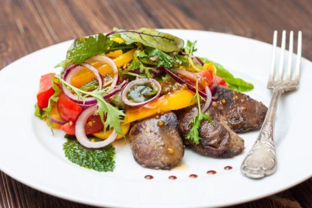Салат з печінкою