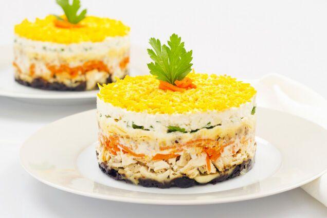 Салат з сиром і куркою