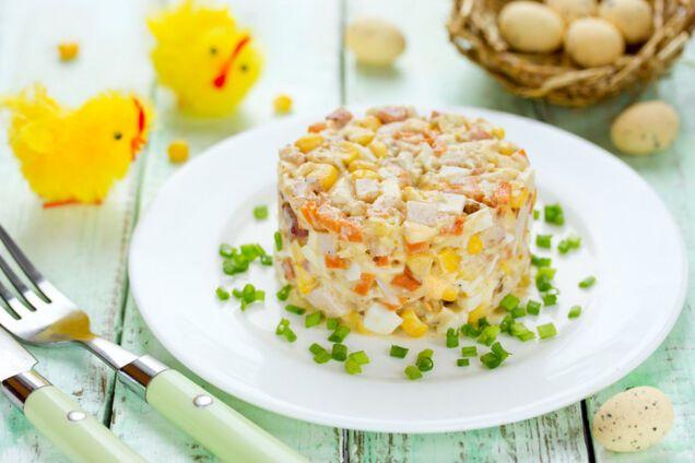Салат з сиром і шинкою