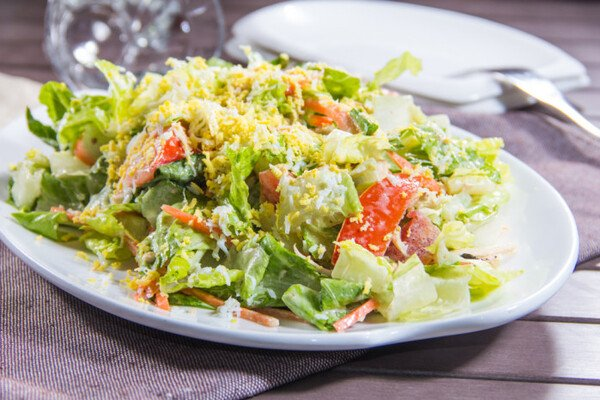 Салат з пекінської капусти з сиром