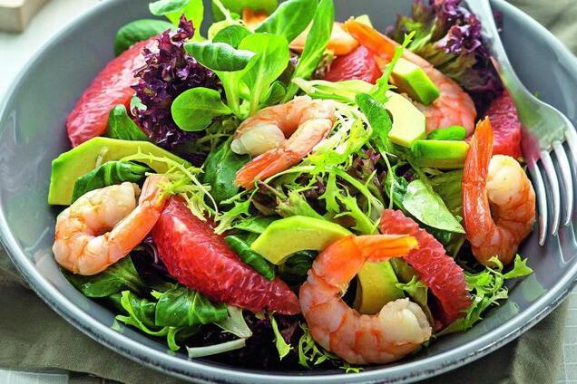 Салат з креветками і авокадо