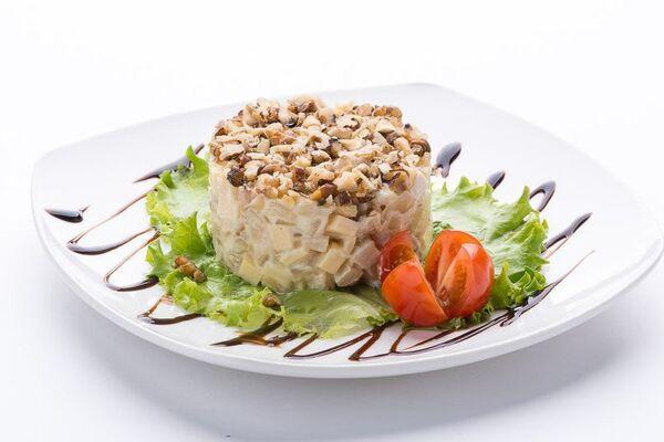 Салат з чорносливом
