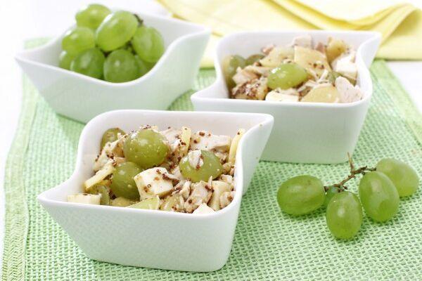 Салат з виноградом і сиром