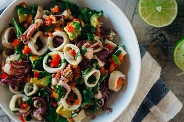 Пісний салат з кальмарами
