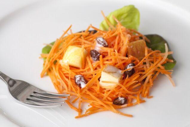 Салат с яблоками и морковью