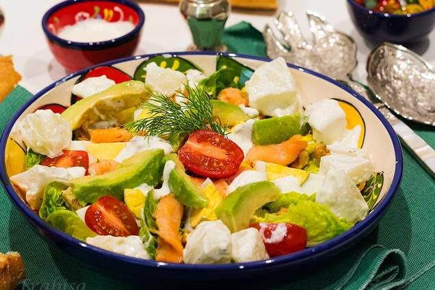 Салат с семгой