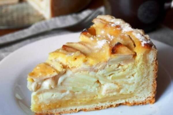 Яблочный пирог на кефире с манкой
