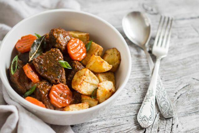 Тушкована картопля з яловичиною