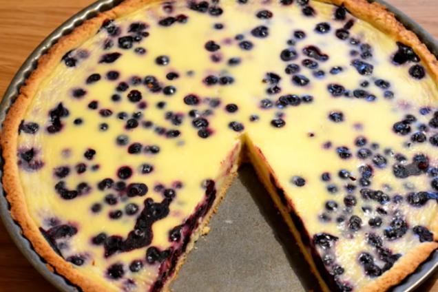 Пиріг з чорницею