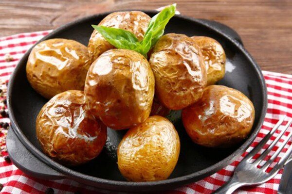Печена картопля в мікрохвильовці