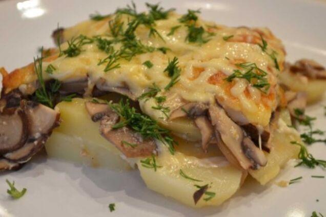 Картошка с сыром и грибами в духовке