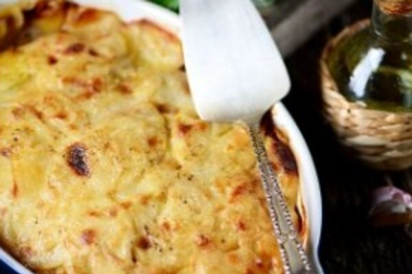 Картопля в духовці з сиром і курячим філе