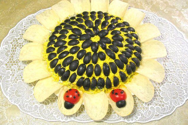 Салат ''Соняшник'' з чіпсами