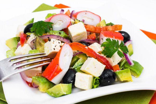 Салат з крабовими паличками і сиром