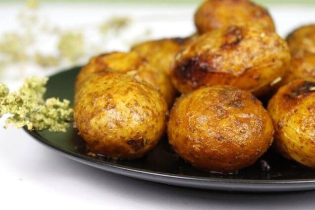 Картопля в мундирі в духовці