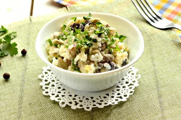 Салат с сардиной и рисом