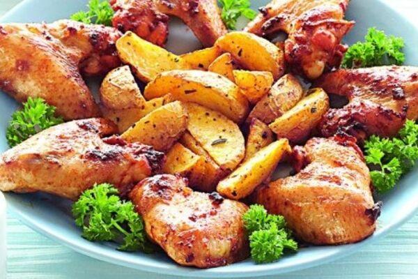 Картошка с крылышками в духовке