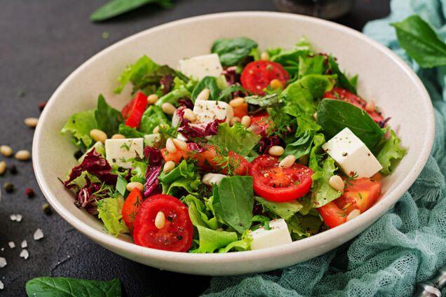 Салат с сыром ''Фета''